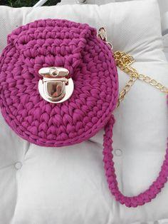 Chanel Boy Bag, Knitting Patterns, Shoulder Bag, Photo And Video, Fashion, Moda, Knit Patterns, Fashion Styles, Shoulder Bags