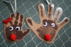 Reindeer handprint ornaments - Great pre-Christmas craft to do with the kids! Preschool Christmas, Christmas Crafts For Kids, Christmas Activities, Christmas Projects, Holiday Crafts, Holiday Fun, Christmas Holidays, Christmas Gifts, Christmas Ornaments