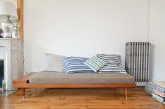 TOUCH dieses Bild: The BI Grey daybed by Kann Design. by FvF