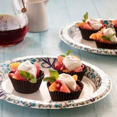 Whip up Dixie Fresh Citrus Fruit Mix in Chocolate Cups Recipe. It's a sophisticated dessert that is sure to impress, and it's actually easy to make. Easy Stroganoff Recipe, Beef Stroganoff, Vegetable Tart, Vegetable Quiche, Brunch Recipes, Breakfast Recipes, Italian Ricotta Cookies, Garlic Aioli Recipe, Mini Grilled Cheeses