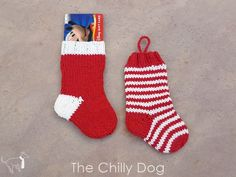 This mini knit Christmas stocking pattern can be used as a Christmas tree ornament or as a holiday gift card holder. The pattern includes instructions for both Knitted Christmas Stocking Patterns, Mini Christmas Stockings, Crochet Stocking, Stocking Ornaments, Christmas Crafts, Christmas Tables, Nordic Christmas, Modern Christmas, Christmas Ornaments