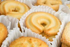Danish Butter Cookies… A Must Try Recipe - Della&Cookies Danish Butter Cookies, Butter Cookies Recipe, No Bake Cookies, Cookies Et Biscuits, No Bake Cake, Chip Cookies, Köstliche Desserts, Delicious Desserts, Biscuits Russes