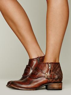 Leather ankle boots #edgy #chic