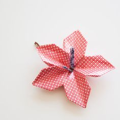Small flower paper origami hair pin blue by myorigamiflowersshop big flower paper origami hair pin red pattern etsy 48 nis mightylinksfo