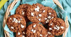 Muffinki owsiane z marchewką i cynamonem; babecz… Oat muffins with carrots and cinnamon; Carrot Muffins, Oat Muffins, Healthy Muffins, Sweet Recipes, Carrots, Almond, Oatmeal, Food And Drink, Chocolate