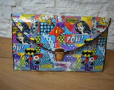 Items similar to Custom Wonder Woman, Super Girl & Bat Girl bag pochette envelope clutch - Perfect gift on Etsy Handmade Envelopes, Handmade Bags, Batgirl, Supergirl, Special Occasion Shoes, Envelope Clutch, Girls Bags, Valentine Day Gifts, Decoupage