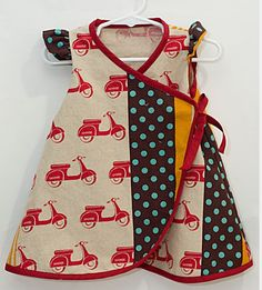 hmmmm..wonder if i can come up with a pattern and make this myself. SO CUTE!