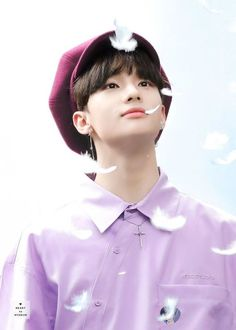 Find images and videos about stray kids, hyunjin and hwang hyunjin on We Heart It - the app to get lost in what you love. K Pop, Felix Stray Kids, Drama Queens, Lee Know, Lee Min Ho, Minho, South Korean Boy Band, Boyfriend Material, K Idols