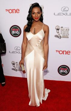 Tika Sumpter looking Classic and flawless with her 40's Glam ensemble. www.dreambellabou.com