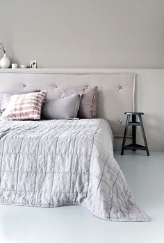 Love the headboard, so simple