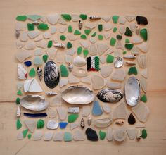 seaglass & shells.  LOVE, LOVE, LOVE Sea Glass Crafts, Sea Glass Art, Ceramics Projects, Craft Projects, Glass Rocks, Baubles And Beads, Displaying Collections, Cool Necklaces, Shell Art