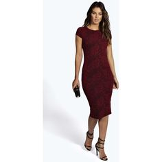 Pared back day dresses are the perfect base for layering up this season.  No off-duty wardrobe is complete without a casual day dress.  Basic bodycon dresses a…