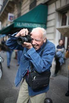Bill Cunningham capturing street style at #NYFW