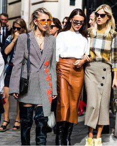 Street style at Paris Fashion Week Spring-Summer 2018 Photo by Sandra Semburg Street Style Fashion Week, Paris Street Fashion, Best Street Style, Street Style 2018, Fashion Week 2018, Fashion Week Paris, Fashion Weeks, Look Fashion, Autumn Fashion