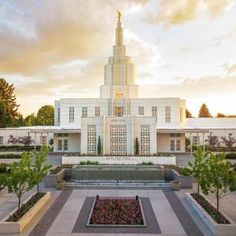 Idaho Falls Temple Reflection of Color - LDS Temple Pictures Lds Temple Pictures, Lds Pictures, Mormon Temples, Lds Temples, Idaho Falls Temple, Later Day Saints, Lds Church, Church Ideas, Grand Mosque