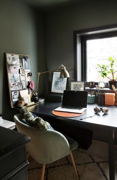 Wall Colors, Colours, Window Sill, Office Desk, Style Inspiration, Lady, Interior, Furniture, Instagram