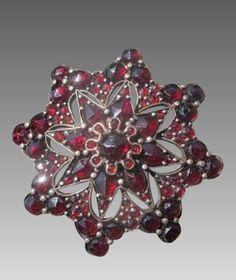 Victorian Garnet Brooch of Ten-pointed Star