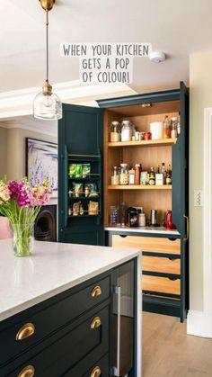 Kitchen Pantry Design, Modern Kitchen Design, Interior Design Kitchen, Home Design, Kitchen Larder, Living Room Kitchen, Home Decor Kitchen, Home Kitchens, Kitchen Ideas