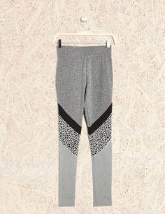 Legging fitness gris et noir femme • Jennyfer Soldes Vetements Femme 6e641ba4a3a