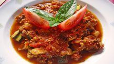 Dusené tofu zo Stredozemia Healthy Vegetables, Veggies, Tofu, Vegan Vegetarian, Vegetarian Recipes, Zucchini Aubergine, Vegan Life, Ratatouille, Chili