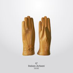 Finely crafted #yellow smooth ‪#‎leather‬ #gloves‬ to carry your #womensCollection‬ through fall. Add a rich touch of colour to your  #FW‬ #accessories‬ #collection‬ #‎style‬ #‎madeinitaly‬ #italianartisan‬