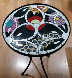 Mosaic ::: Home Decor- Мозаика ::: Домашний Декор Mosaic ::: Home Decor - Mosaic Outdoor Table, Outdoor Table Tops, Mosaic Art, Mosaic Tiles, Tile Crafts, Mosaic Projects, Glass Tables, Painted Furniture, Diy And Crafts