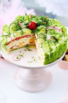 Salad varieties - the two best recipes for party and buffet - Partyrezepte - Pastel de Tortilla Party Finger Foods, Party Snacks, Salad Recipes, Snack Recipes, Party Recipes, Pecan Recipes, Pie Recipes, Salad Cake, Healthy Snacks