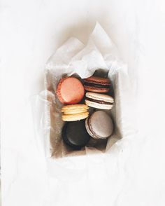 Sweet and Simple macarons Slow Cooker Desserts, Sugar Rush, Aesthetic Food, Food Styling, Love Food, Cravings, Food Photography, Sweet Treats, Food Porn