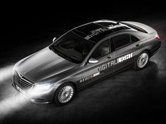 Mercedes' Digital Light system takes a novel approach to safety - Roadshow #Tech #iNewsPhoto