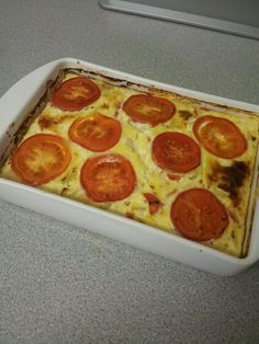 Slimming world quiche 3 eggs, 1 tub lowfat cottage cheese & any free veg you like.  G x