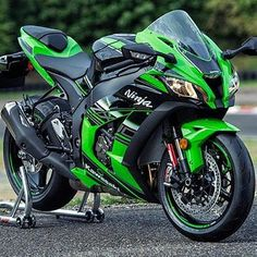 2016 Kawasaki ZX 10R.. So beautiful!