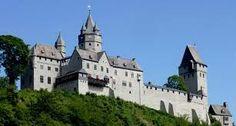 Burg Altena Die Burg In malerischer Lage, hoch über der alten Drahtzieherstadt…
