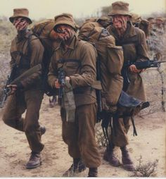 Army Day, Vietnam War Photos, Brothers In Arms, Men In Uniform, Modern Warfare, African History, Special Forces, Military History, Armed Forces