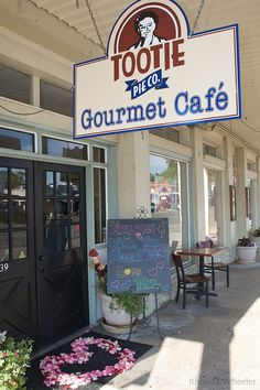 Fredericksburg, TX l Tootie Pie Co is nestled right in the heart of Fredericksburg and is a must try! This bakery hand crafts thousands of pies each year for their customers around the country.