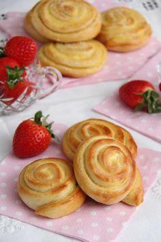 Baketips til sommeravslutning - My Little Kitchen Little Kitchen, Waffles, Deserts, Strawberry, Food And Drink, Pudding, Baking, Fruit, Breakfast