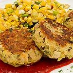 Turkey Potato Patties - uses leftover turke and mashed potatoes. Can serve topped with a poached egg and a side of salsa. Turkey Patties, Potato Patties, Chicken Patties, Leftover Turkey Recipes, Leftovers Recipes, Turkey Leftovers, Thanksgiving Leftovers, Entree Recipes, Cooking Recipes