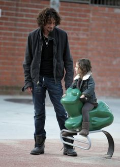Chris Cornell and his daughter... SO CUTE!