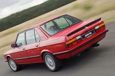Bmw M5, E28 Bmw, Bmw Classic, Bmw Vintage, Bavarian Motor Works, Classy Cars, Bmw Series, Bmw Cars, Motor Car