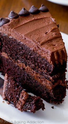 My favorite homemade chocolate cake recipe. And it's the fudgiest! #ChocolateCakeRecipe
