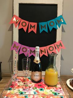 Impress your mom by using one-of-a-kind DIY decor ideas for Mother's Day and make her feel loved and cherished. Origami Letter, Fun Crafts, Crafts For Kids, Pop Up Flowers, Diy Gifts For Mom, Mothers Day Breakfast, Popular Crafts, Mother's Day Diy, Love You Mom