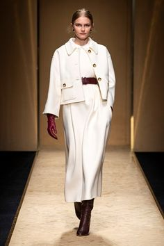Luisa Spagnoli Fall Winter 2020 - 2021 fashion show at Milano Fashion Week (February 2020 Fashion Trends, Fashion Mode, Fashion 2020, Look Fashion, Fashion Addict, Timeless Fashion, Couture Fashion, Fashion Brand, Winter Fashion