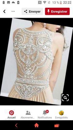 0877a573022c 14 nejlepších obrázků z nástěnky šaty
