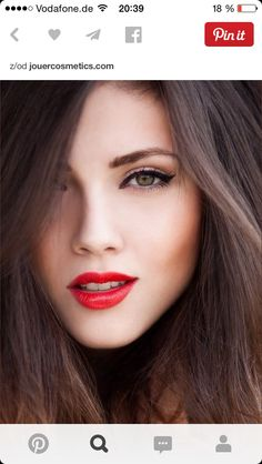 red lips - bright winter