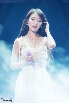 Iu Chat Shire, Kpop Girl Groups, Kpop Girls, Korean Beauty, Asian Beauty, Korean Celebrities, Celebs, Iu Fashion, Korean Artist