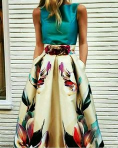 More at www.c… Awesome 44 Captivating Floral Skirt Outfit Ideas. More at www. Floral Skirt Outfits, Floral Skirts, Look Retro, Mode Outfits, Mode Inspiration, Tight Dresses, Casual Dresses, Casual Outfits, African Fashion