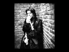David Bowie - She Shook Me Cold - YouTube