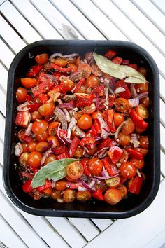 Slow roasted tomato and red pepper sauce for pasta - Dale Pinnock Roasted Red Pepper Pasta, Slow Roasted Tomatoes, Red Pepper Sauce, Salad Sauce, Fussy Eaters, Dale Pinnock, Red Peppers, Main Meals, Healthy Recipes