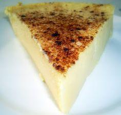La cuajada  est un dessert typique du Pays Basque espagnol , traditionnellement confectionnée avec du lait de brebis et un coagulant animal ...