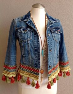 Life is too short to wear boring clothes. Make a big fashion statement with this embellished, Bohemian style Denim jacket. This is a timeless/seasonal piece. Each and everyone of my jackets are special and unique, just like you! This is a Hollister jacket Bohemian Mode, Bohemian Style, Boho Chic, Bohemian Fashion, Hippie Boho, Shabby Chic, Big Fashion, Denim Fashion, Style Fashion