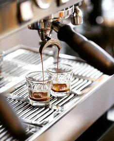 Coffee Machine Breville - - But First Coffee Tshirt - Coffee Barista, Coffee Cafe, Espresso Coffee, Coffee Drinks, Folgers Coffee, Coffee Tin, Spiced Coffee, Coffee Corner, Coffee Pods